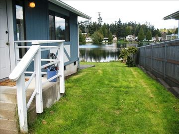 Federal Way cottage rental - The cottage on Mirror Lake