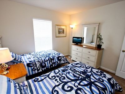 Twin Bedroom with Twin Beds, TV