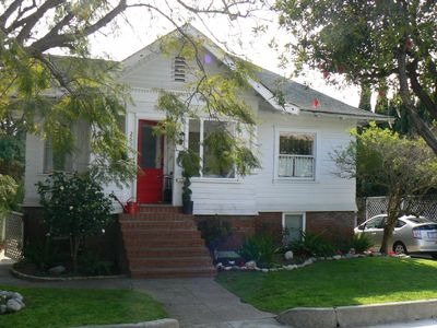 Craftsman Cottage; 3 blocks from Santa Monica Bch; 2 Blocks from Trendy Main St.