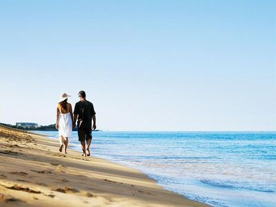 Romantic walks down Ka'anapali Beach!