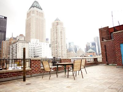 Midtown Manhattan apartment rental - view from rooftop terrace