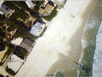 Aerial View: Red dot on roof:  Private path to beach (for this house only)