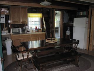 Clayton cabin photo - Kitchen and dining area