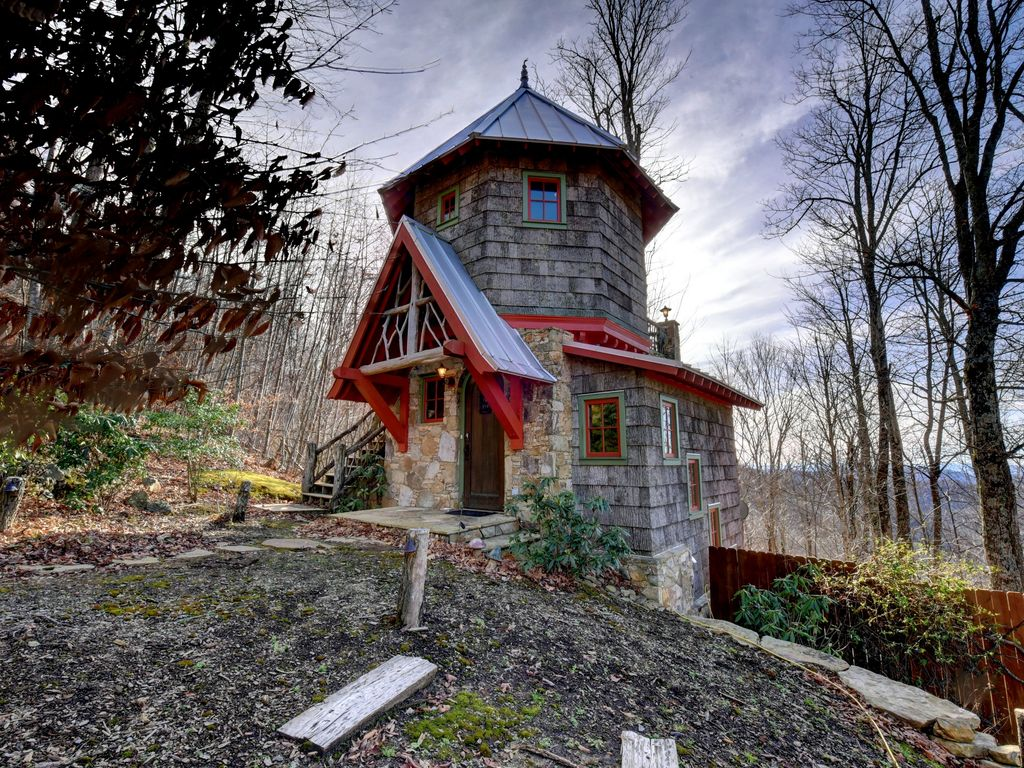 Hobbit House A Micro Castle Mountaintop Vrbo
