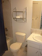 Berry Islands townhome photo - Bathroom with tub/shower combination.