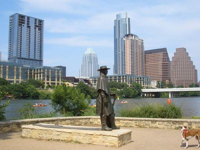 Austin house rental - Go say hi to SRV!