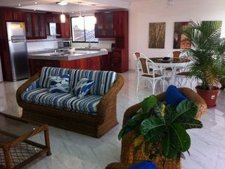 Bahia de Caraquez condo photo - Living Room