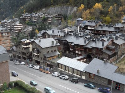 A charming apartment I magnificent views 200 meters from the ski gondola.