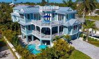 Caribbean Dream: 5 BR / 4.5 BA n/a in Holmes Beach, Sleeps 12
