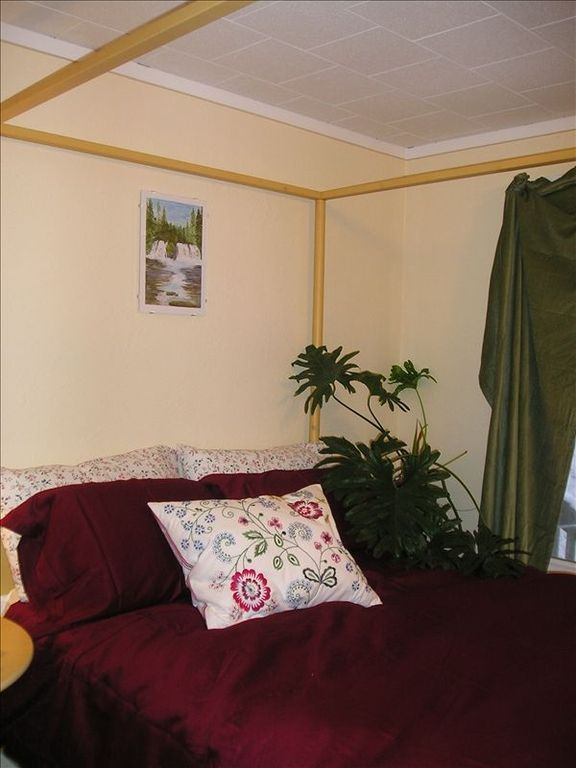 Fiddlehead - Double Bedroom