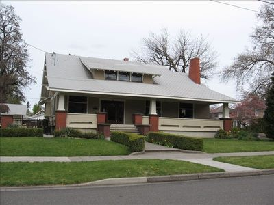 Classic Craftsman Home within walking distance of Whitman College & Downtown
