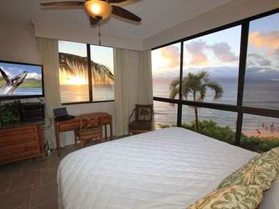 KS 360 Master Bedroom #1 with wraparound oceanfront sunset views