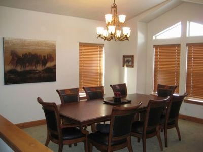 Large dining room seats 8-10 comfortable