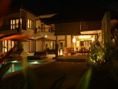 Jimbaran villa rental - Villa Humlebjerg at night