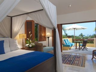 Punta Mita villa photo - Gorgeous inviting Master bedroom with King size bed and private terrace