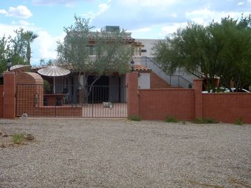 Tucson studio rental - A Room with a View