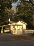Location Location Location!!! *Entire Home* 1 Block From Historic Downtown DeLan