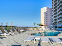 Luxury condo w/wrap-around balcony, Gulf views, resort pools