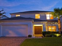 5 Bed, 3 Bath Villa:FREE POOL HEAT  SUPER-FAST WIFI & south-facing lakeview pool