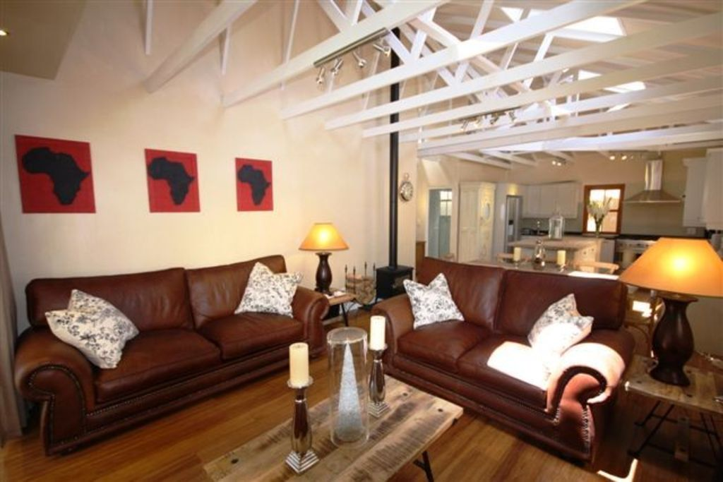 5 Star Luxury - Self Catering Accommodation - Constantia -  2 bedroom Cottage - Lime Cottage