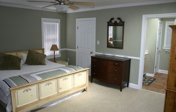 Master bedroom/bath