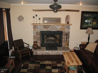 Swanton cabin photo - Family Room