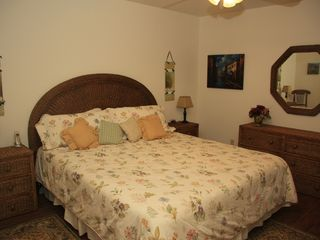 Palm Desert condo photo - Another view of the master bedroom