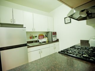 Midtown Manhattan property rental photo - Kitchen