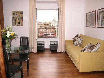Colosseum area apartment rental