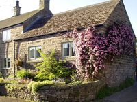 COBBLED CORNER, character holiday cottage in Elton, Ref 1613