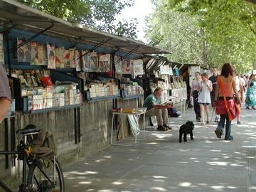 Discover the books stalls along the quays nearby..
