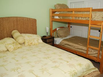 Bedroom #4, Queen w/ bunk bed