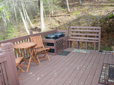 Gatlinburg cabin rental - deck outside the front door
