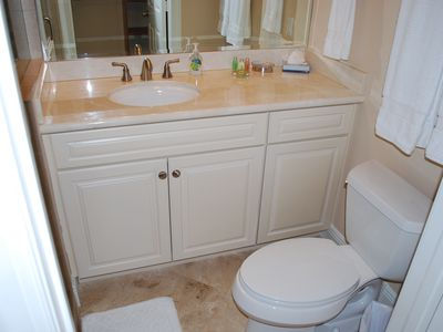 Lauderdale-by-the-Sea villa rental - Bedroom Two Full Size Bathroom Sink