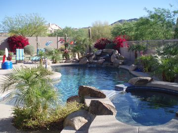 Mesa house rental - Enjoy the Beautiful Backyard Like an oasis!!!