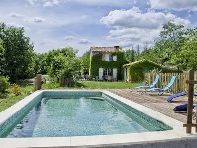 Authentic Provencal stone house on 1.5 acres of land, facing the Luberon