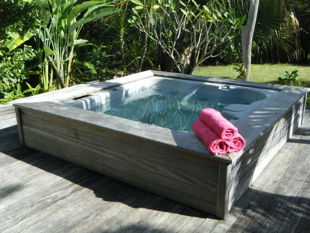 39 villa antoine 39 spacieuse climatisee wifi jacuzzi dans for Jardin tropical guadeloupe