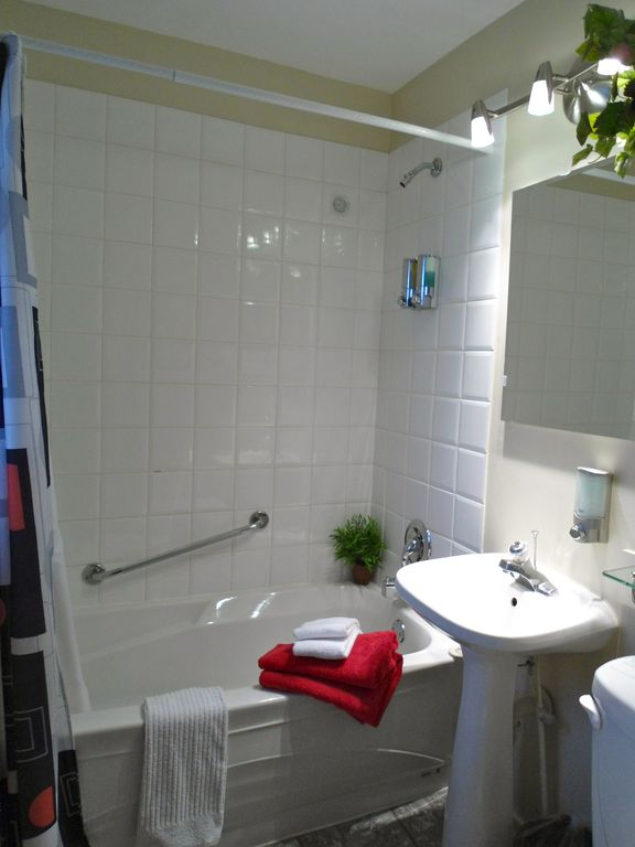 This is the 2nd 3-piece bathroom, with bathtub and in tub shower