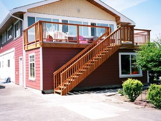 Nanaimo apartment photo - parking area and stairs to deck