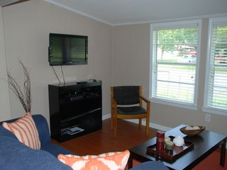 Dauphin Island cottage photo - Flat screen television with DirectTV.