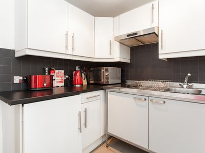 Cook at home! Fully equipped kitchen with fridge-freezer, washing machine