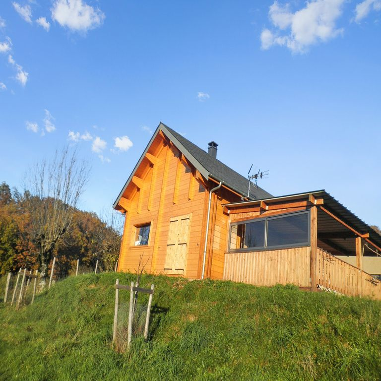 2 bedroom chalet in espalion aveyron 1933946 for 22 river terrace valet