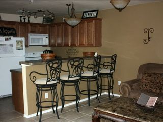 New Braunfels condo photo - Full Kitchen/bar