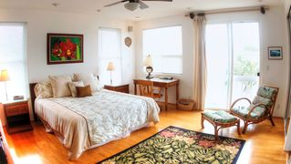 Kailua house photo - Spacious master bedroom features its own bathroom with Jacuzzi tub.