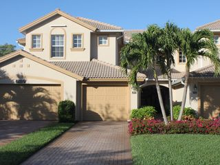 Bonita Springs townhome photo - Gorgeous townhouse with garage and private driveway