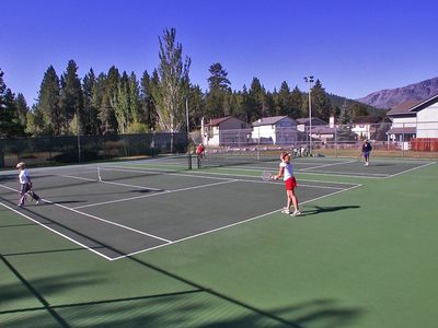 Keys tennis courts