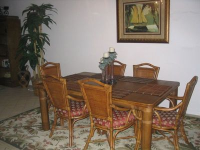 Dining Room - table can accommodate 8-10 people