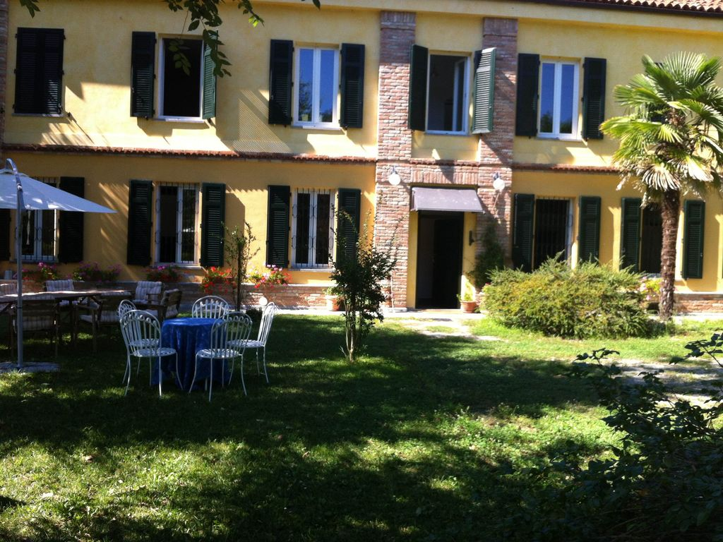 Peaceful accommodation, 300 square meters, recommended by travellers !