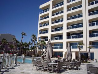 Rosarito Beach condo photo - Las Olas Pool Area