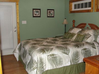 Guest cottage with queen bedroom.